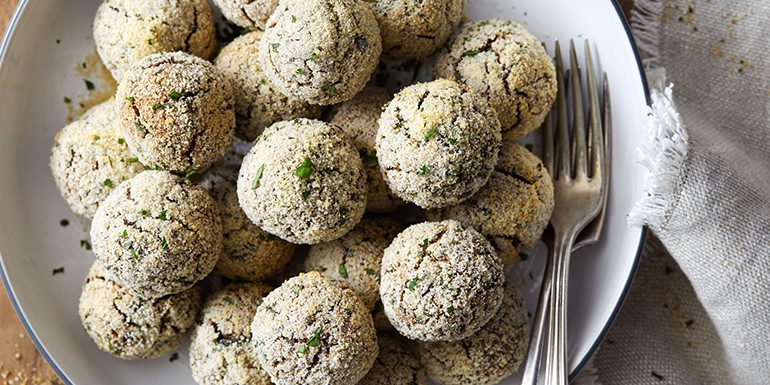 mushroom-and-white-bean-meatballs