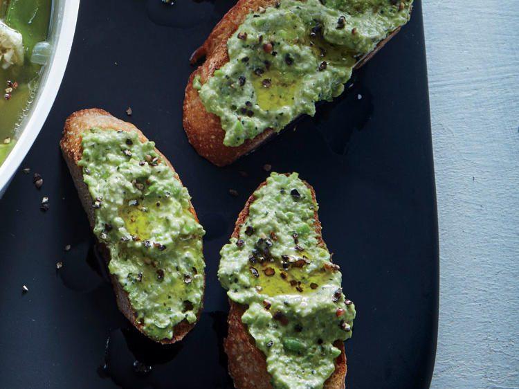 ricotta-sweet-pea-toasts